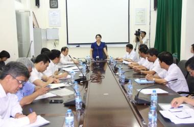 Bộ trưởng Bộ Y tế kiểm tra công tác phòng chống dịch MERS-CoV tại Bệnh viện Bệnh Nhiệt đới Trung ương