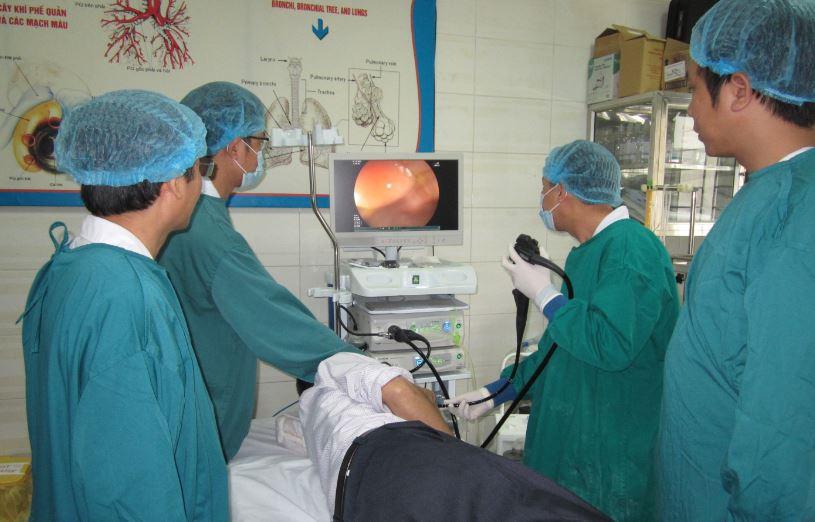 Bệnh viện Bệnh Nhiệt đới Trung ương triển khai kỹ thuật thắt giãn tĩnh mạch thực quản